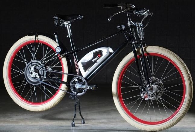 The battery of the BionX electric bike kits is usually mounted in the triangle of the frame, making for a well-balanced bike and a great bike-riding feel. This retro bike was featured on Electric Bike Report. BionX Electric Bike Kit Review