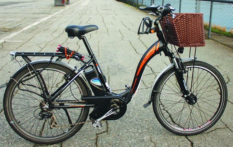 The need to accommodate a motor and a battery often means that there is no space left on the frame of an electric bike for a water bottle cage