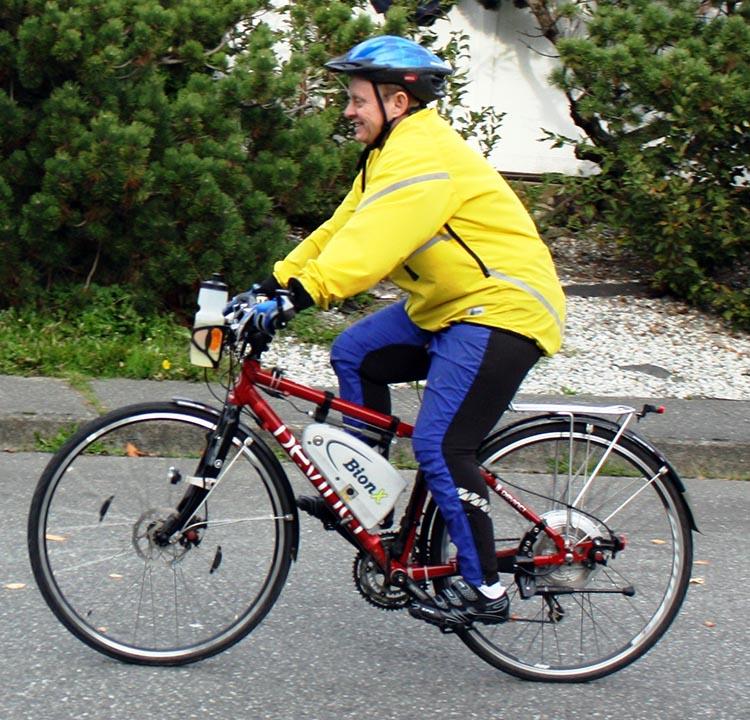 Here's me, riding a Devinci Copenhagen with the same BionX hub motor