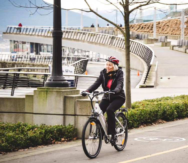 The Ampere electric bike arrives fully loaded and ready for you to coast down to the beach or the pub. Ampere Electric Bike Review