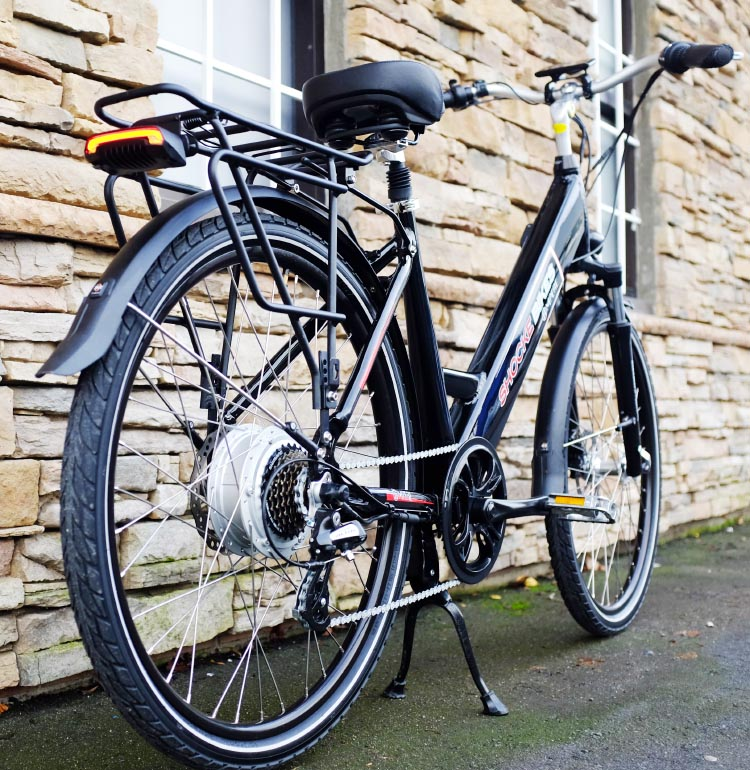 I especially like the wrap-around fenders that are pre-fitted on this e-bike. Ampere electric bike review