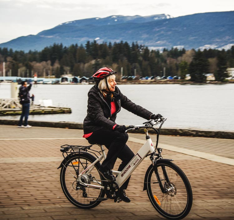 Electric bikes are a good alternative to traditional bikes for people who have a long commute, who are going through physical therapy, who have any kind of physical limitation, or who are inexperienced on a traditional bike