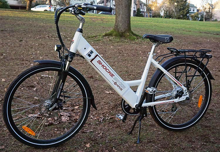 My first impression of this Ampere e-bike was that it is very good looking and quite obviously a quality e-bike. Ampere Electric Bike Review