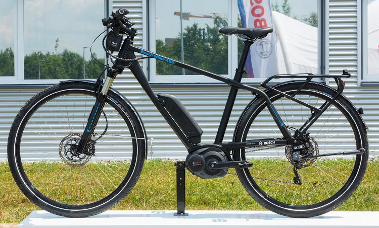 The new Bosch ABS system will prevent the pedelec's front wheel from locking up and also limit the lifting of the rear wheel