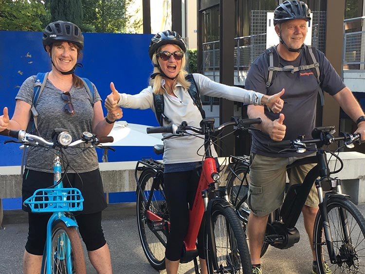 5 Health Benefits of Electric Bikes. What's the best thing to do when one of your oldest friends finally makes it all the way to Zurich from NZ? Take an e-bike ride around the Zurich Lake of course!