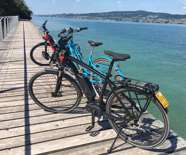 Here is another view of these three beautiful ebikes, next to the awesome Zurich Lake