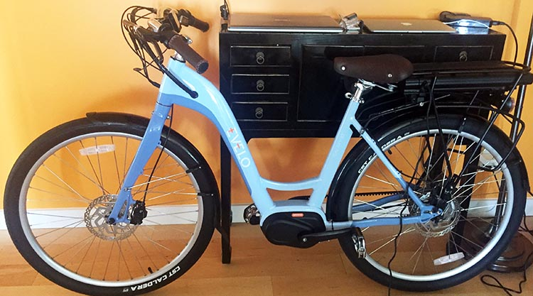 A nice feature on the EVELO Galaxy ST E-bike that is not found on many e-bikes, is that you can charge the battery without removing the battery from the frame. . Here it is charging in my living room