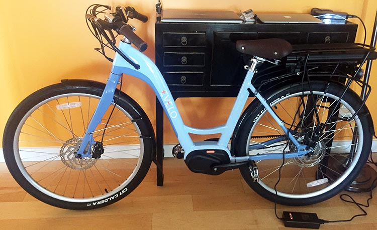 Assembling the Evelo Galaxy ST e-bike. Here is the finished Evelo Galaxy XT e-bike, which is now standing in our living room