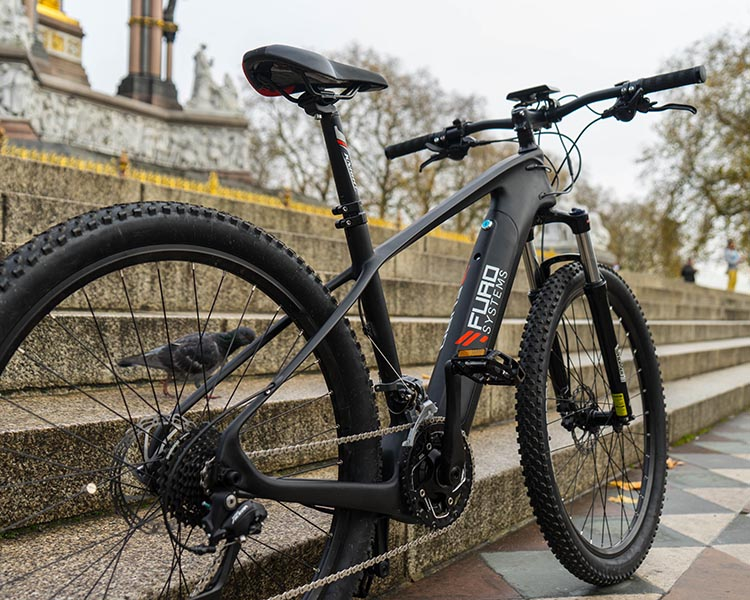 The SIERRA is a great looking e-bike, and packs everything you need to bike at speed and with style