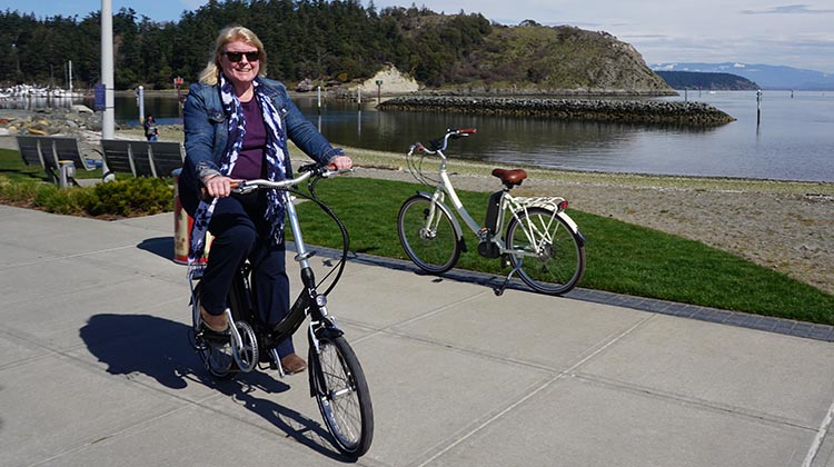 Blix Vika+ Foldable Electric Bike Review. The Blix Vika+ Foldable Ebike put a smile on Maggie's face. See if you like it as much as Maggie and I did!