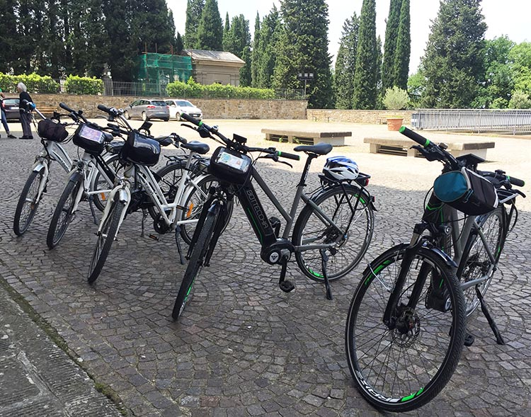 Our Electric Bike tour of Florence: We had a range of good quality electric bikes to choose from, each with a small bag on the handlebars for wallets, phones, and cameras