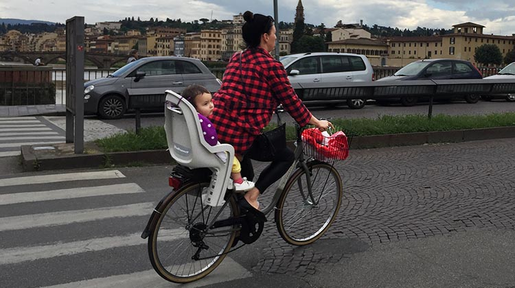 Our Electric Bike tour of Florence: We saw many parents transporting their children on bikes in Florence